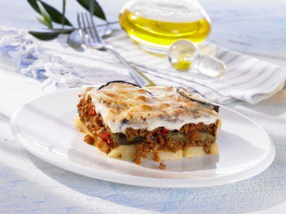 Griechisches Hackfleischauflauf (Moussaka) ist ein Rezept mit frischen Zutaten aus der Kategorie Fruchtgemüse. Probieren Sie dieses und weitere Rezepte von EAT SMARTER!
