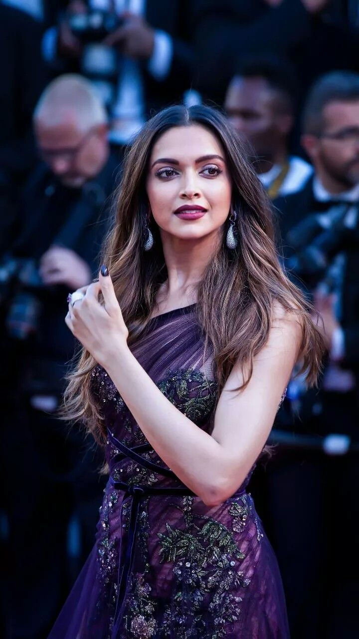 Chhapaak Movie 2020 Review Cast Real Story Release Date Beautiful Bollywood Actress Deepika Padukone Style Bollywood Celebrities