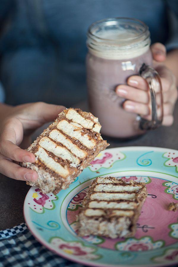 http://luluto.blogspot.bg/2017/01/blog-post_15.html Easy biscuit cake