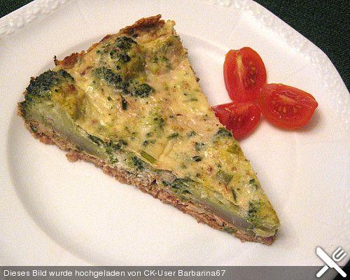 Brokkoli - Walnuss Quiche, ein sehr leckeres Rezept aus der Kategorie Tarte/Quiche. Bewertungen: 7. Durchschnitt: Ø 3,8.