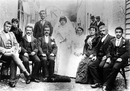 In the 1890s there was some ethnic diversity in New Zealand with the arrival of Dalmatians at the Northland kauri gum fields, and some Lebanese, particularly in Dunedin. Here, members of the city's Lebanese community celebrate a wedding.