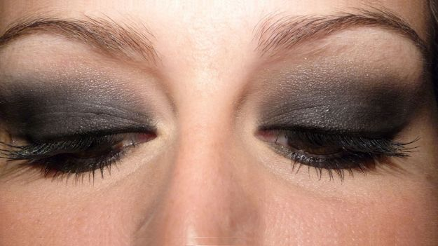 Красивый макияж для нависшего века серыми тенями  ::: onelady.ru ::: #makeup #eyes #eyemakeup