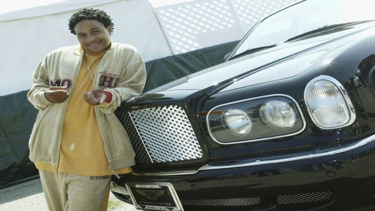 """Black #Cosmopolitan """"That's So Raven"""" Star Orlando Brown Arrested On Active Warrant   #Entertainment, #OrlandoBrown, #RAVENSYMONE, #Singing, #THATSSORAVEN, #TheWaltDisneyCompany           Getty  Orlando Brown,best known for his role as Eddie Thomas on That's So Raven, is back in the news again for something that, over the years, is just so Orlando. We told you thatRaven's Home,the spin-off to That's So Raven, would not include the 30-year-old actor, an"""