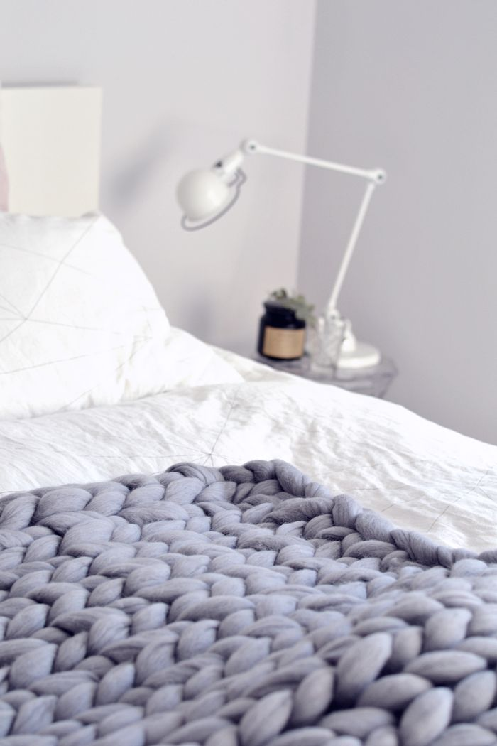 PASTELLIMAJA  Interior / bedroom / bedding / scandinavian home / chunky blanket