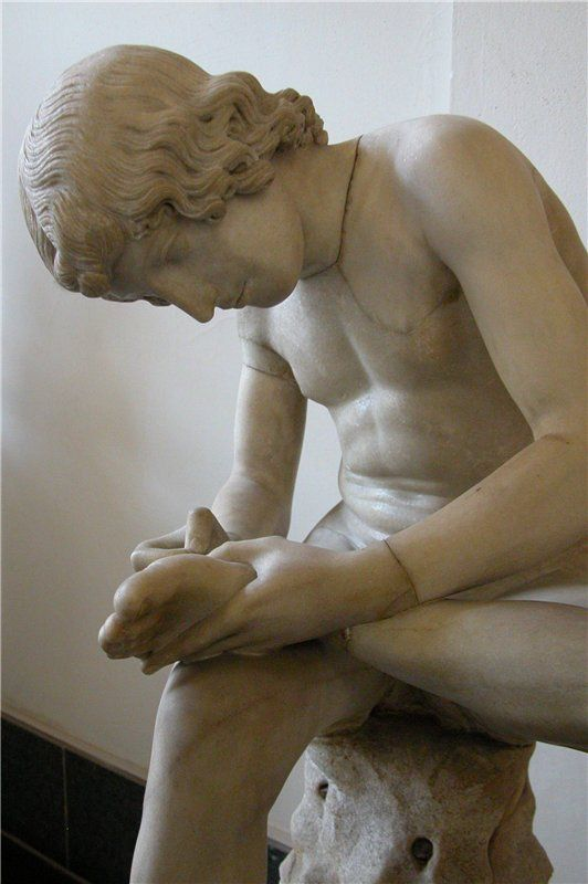Мальчик, вынимающий занозу. Мраморная римская копия 1 в. н. э. 120 см. Modena, Galleria Estense. Пленник Красоты - Spinario
