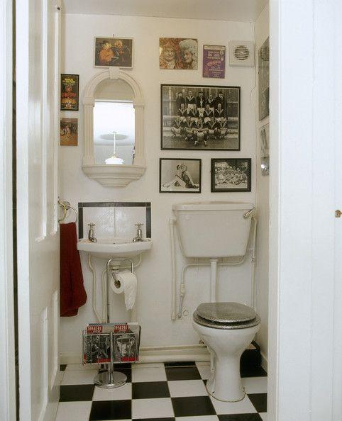 Bathroom Photo - find vintage rowing team pic?