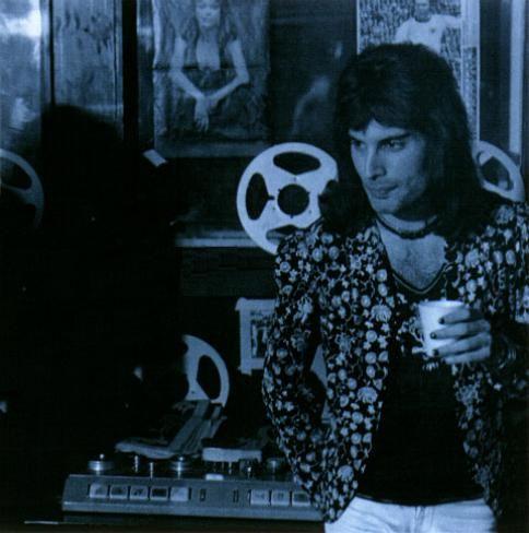 Freddie Mercury Teeth | Freddie Mercury Style