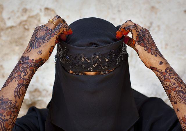 Lamu muslim woman - Kenya | Flickr - Eric Lafforgue