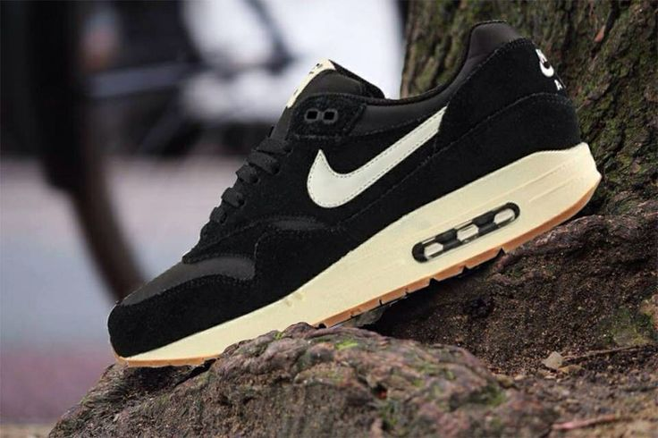 Nike Air Max 90 Essential Suede Pack Black Sail