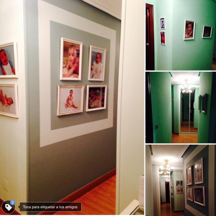 Antes y después en un hall y un pasillo. El objetivo era respetar las fotografías de los niños y usar un color verde, color preferido de la propietaria.