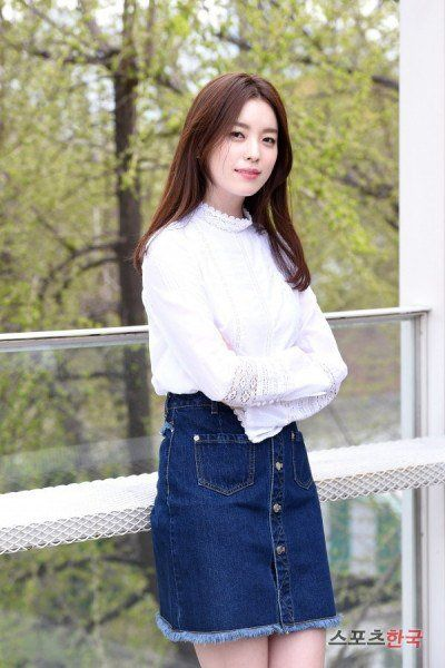 "[Interview] Han Hyo-joo, ""If I was in a three way situation? I would choose to get hurt"" @ HanCinema :: The Korean Movie and Drama Database"