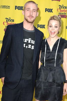 """RYAN GOSLING AND RACHEL McADAMS WHEN THEY WERE DATING AFTER """"THE NOTEBOOK""""."""