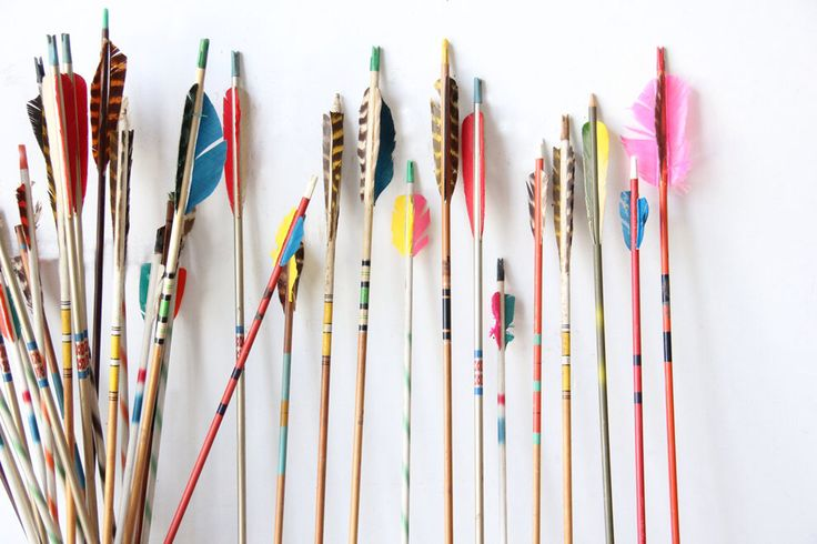 Vintage Colorful Archery Arrows - 5 Selected by GallivantingGirls on Etsy https://www.etsy.com/listing/249835193/vintage-colorful-archery-arrows-5