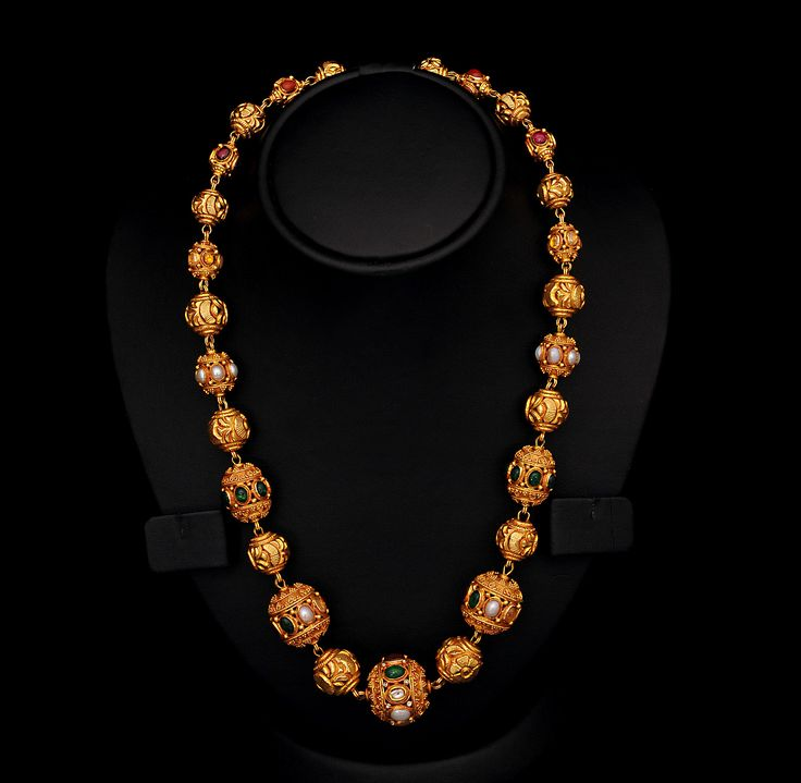 Its takes a highly skilled jeweler to make an ordinary necklace but to create something this extraordinary takes more than skill