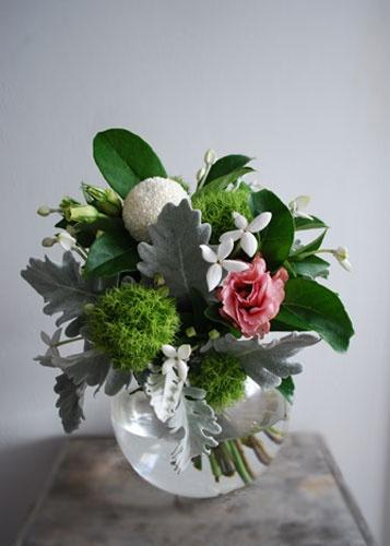green trix :: bouvardia :: chrysanthemum :: lisianthus :: dusty