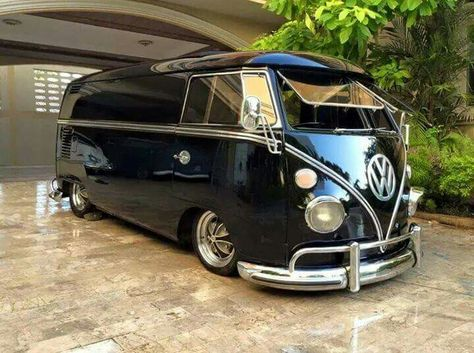 Vyntage VW Bus! ..Re-pin...Brought to you by #CarInsurance at #HouseofInsurance in #Eugene, Oregon