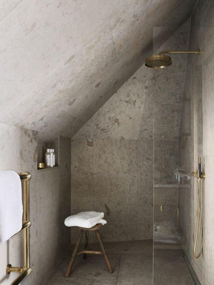salle de bain petit espace et douche italienne avec mur vitré