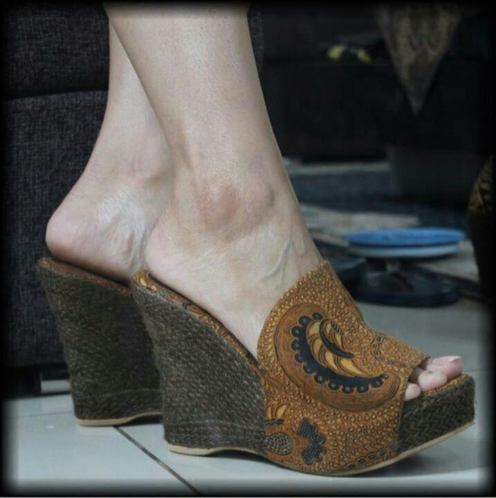 Wedges batik indonesia
