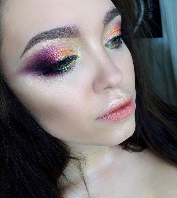 """1,214 Likes, 6 Comments - Юлия Пищелина (@mua_yuliapishchelina) on Instagram: """"Яркий, цветочный макияж в предверии 8 марта!! Поскорее бы уже наступили теплые, красочные деньки))…"""""""