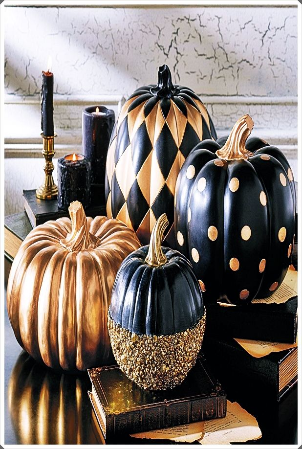 2020 Trends Halloween Black And Gold Halloween Decorations Trends 2020 | Painted
