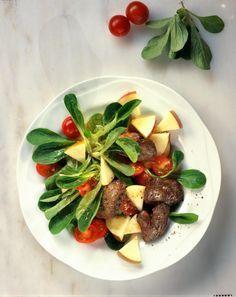 Unser beliebtes Rezept für Feldsalat mit Geflügelleber und mehr als 55.000 weitere kostenlose Rezepte auf LECKER.de.