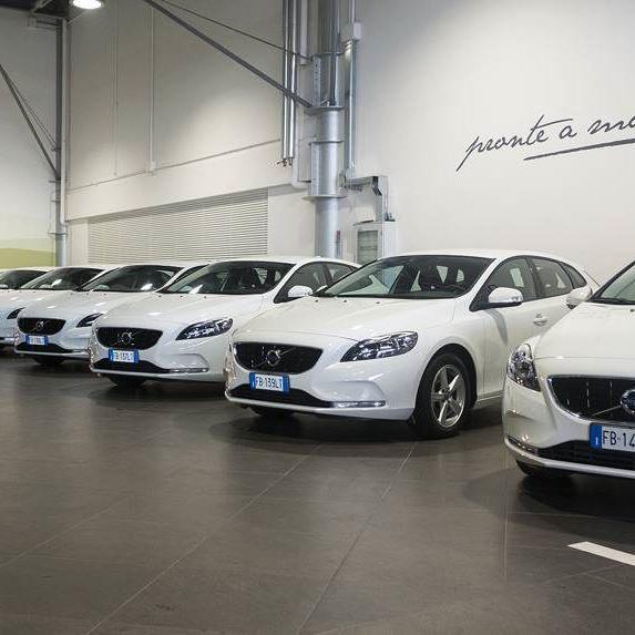Volvo V40 Aziendali in consegna...Pronte a mordere l'asfalto!! #Volvocars  #volvo #40 #Deltamotors #Ancona #Macerata #aziendale