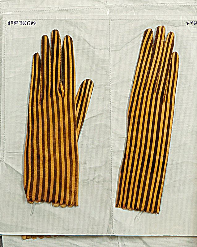 Goatskin gloves, ca. 1890, at the Paris Museum of fashion