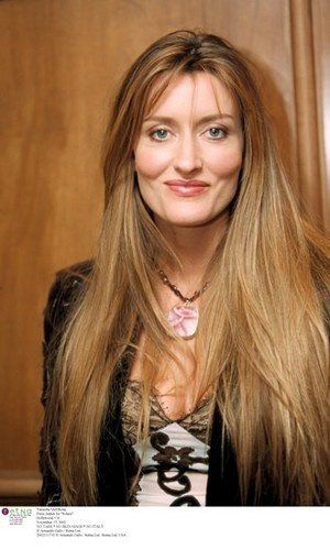 Natascha McElhone, one of my favorite actresses, is Sagittarius, born December 14, 1969. Unless she's an Aries, born March 2, 1970. There are two birthdays, three birth places and no birth time for her out there on the web. I'm voting for the Sag birthdate. Born early in the day, that one would give her an Aquarian moon, which would explain the bohemian vibe.