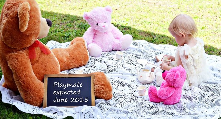 Yes, that's right. We are expecting baby number 2 and I am sharing our super cute pregnancy announcement photos.