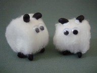 cotton ball sheep... i want them all! made out of cotton ball, dried black bean and googly eyes