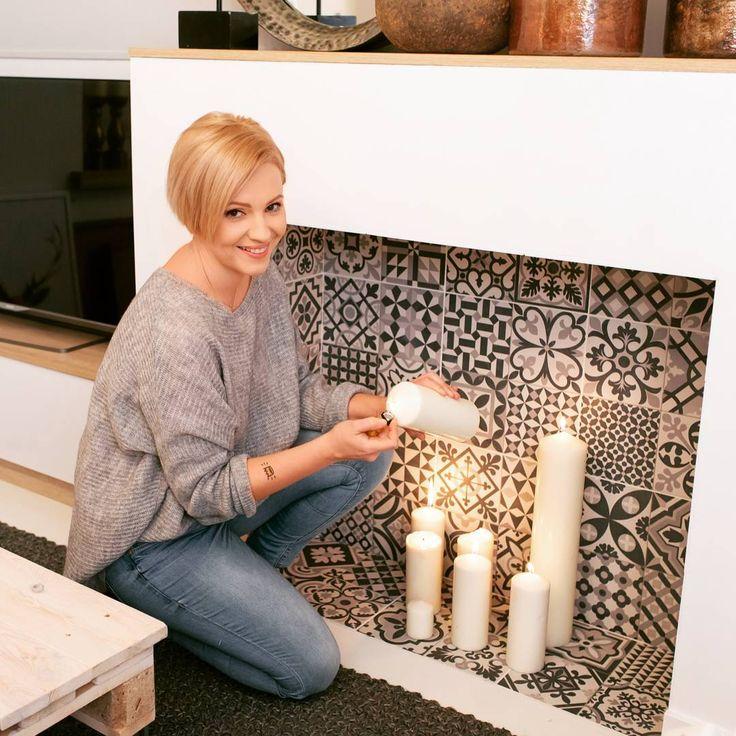 #Kominek bez komina - #portal kominkowy to świetne rozwiązanie w pomieszczeniach, w których nie ma #możliwości zrobienia normalnego kominka. Genialna #dekoracja! @dotindotin #fireplace #light #candles