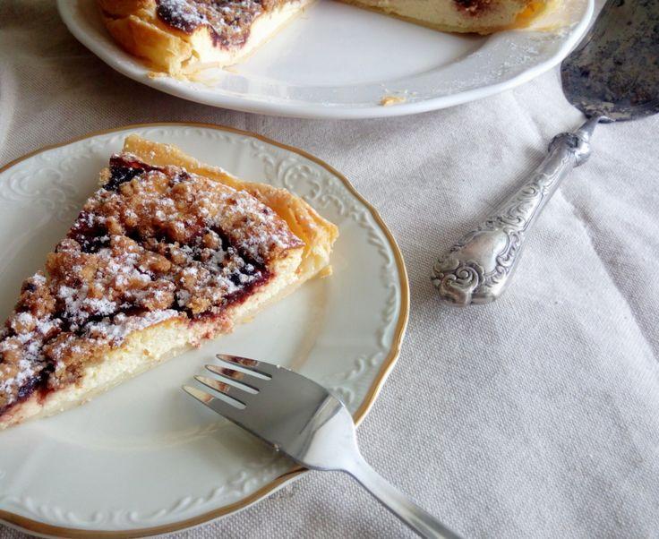 koláč s tvarohem a švestkovými povidly