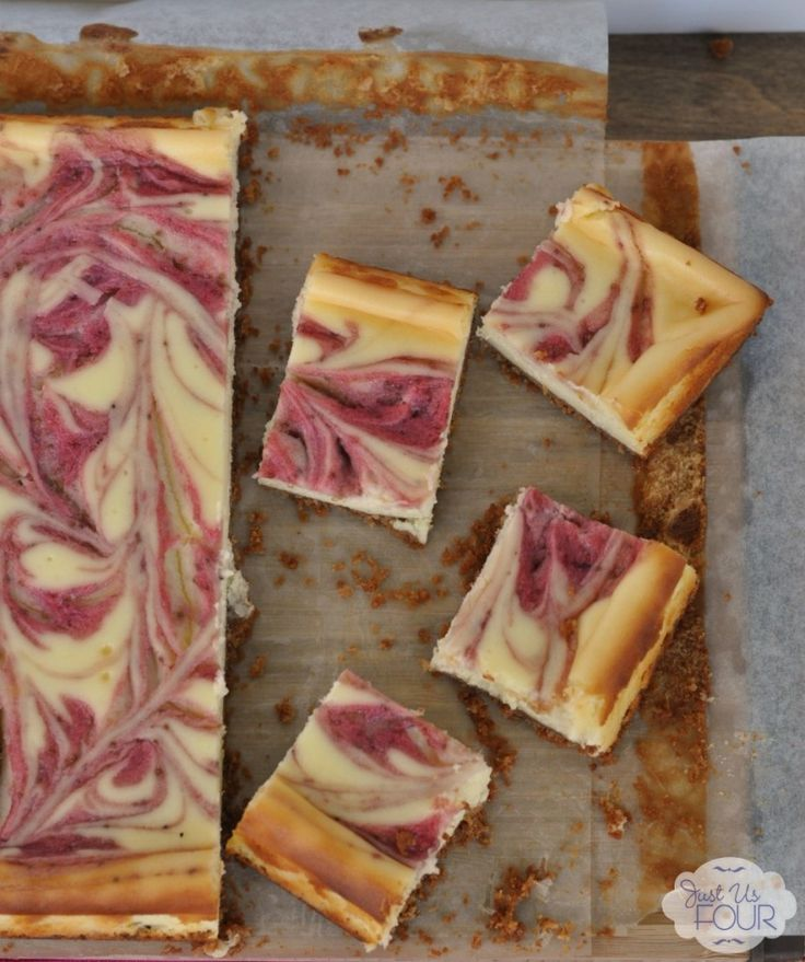 The best cheesecake bars ever! These strawberry lemonade cheesecake bars are the perfect summer dessert.