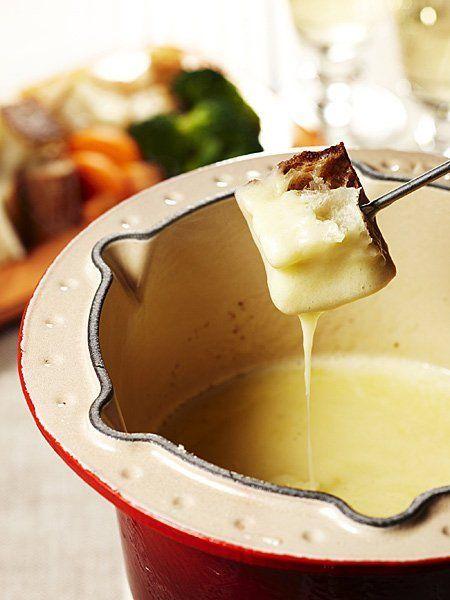 【ELLE a table】コンテチーズの濃厚フォンデュ(コントワーズ)レシピ|エル・オンライン