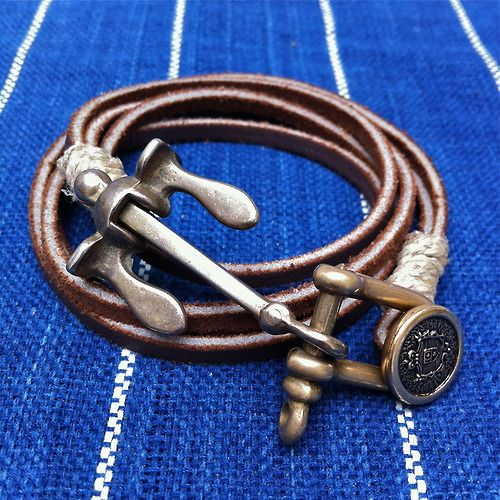 """Mens Leather bracelet I really want to """"remake"""" something just like this! #MENSJEWELRY #DIY"""