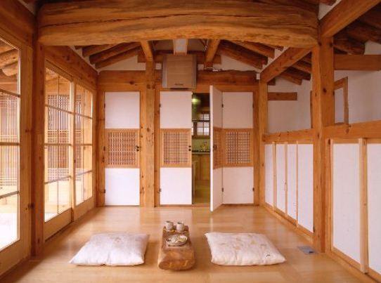 Korean house: living room