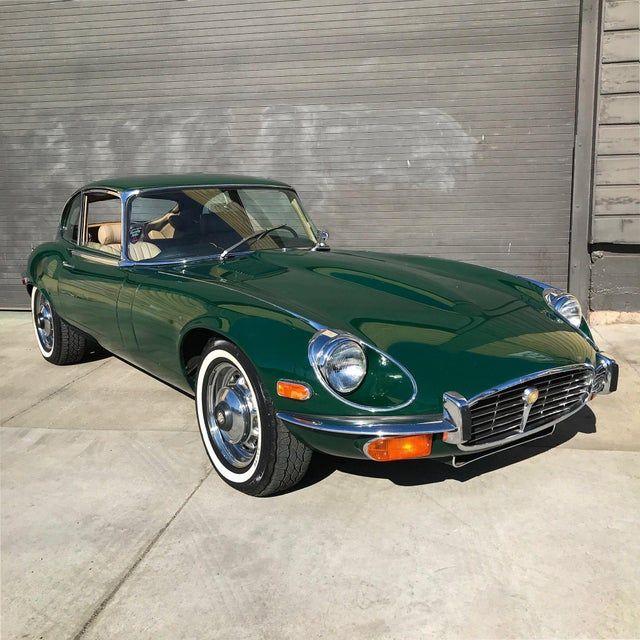 The Classic Look Of A 1972 Jaguar Xke V12 2 2 In British Racing Green Jaguar British Racing Green Racing Green Jaguar Car