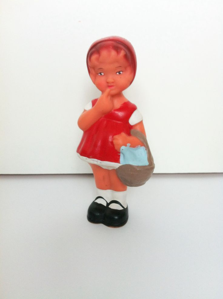 Red Riding Hood. Vintage Rubber Toy. Aradeanca 60's - 70's