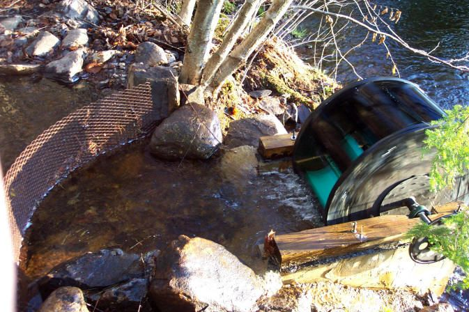 How To Build A DIY Water Wheel Hydroelectricity Generator