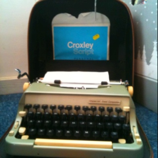 Lovely old travel typewriter!! At sue Ryder shop in burford