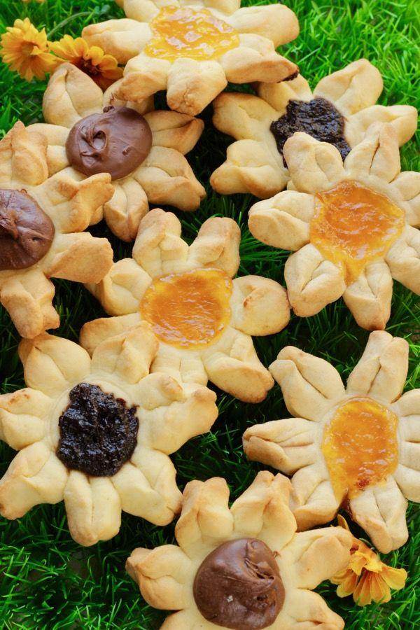 Oggi a La Prova del Cuoco: Fiori di biscotto con poco burro+panna senza mattarello e senza stampi