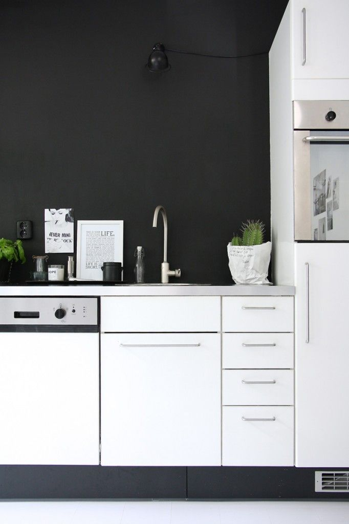 Homes with Heart: High Contrast in a Blogger's Amsterdam Abode