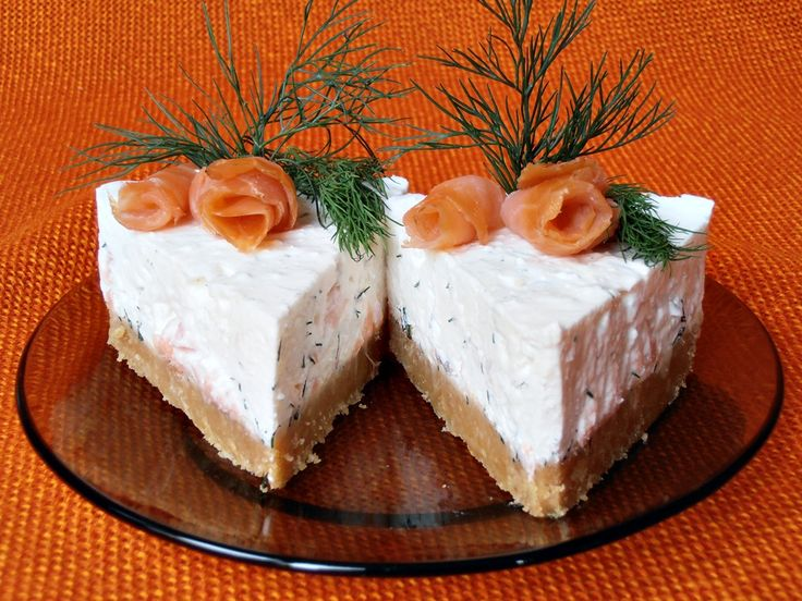http://www.caietulcuretete.com/2012/10/cheesecake-cu-somon.html