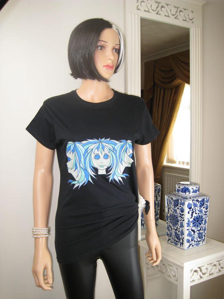 """""""Tripletts"""", otro diseño único Alice Brands en las cimas de las mujeres y camisetas. Tenemos una amplia gama de imágenes de color en diferentes copas de materiales suaves y confortables de calidad. Ver todos en cualquiera de estos dos sitios: www.etsy.com/shop/AliceBrands. www.alicebrands.co.uk. #alicebrands."""