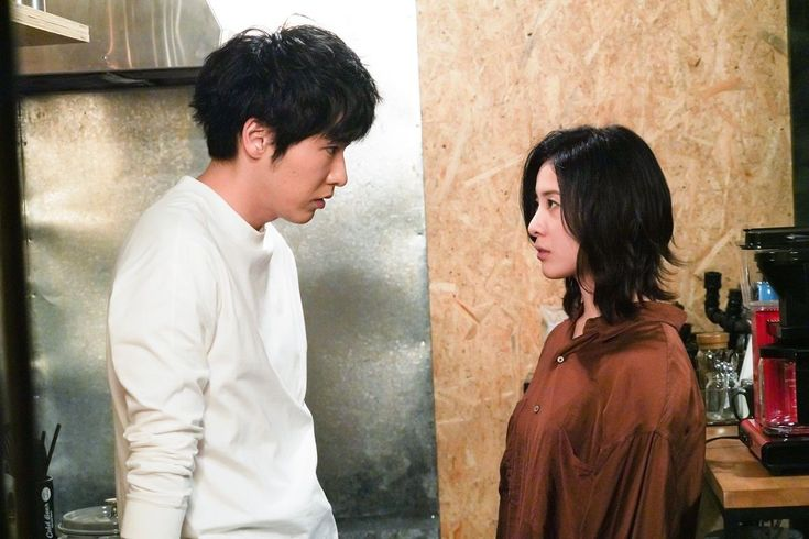 女優の吉高由里子が主演する日本テレビ系ドラマ 知らなくていいコト