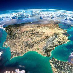Mirad qué bonitaaa!!! Primera vez que la NASA publica una fotografía de nuestra Península Ibérica con luz de día. Espectacular!!! (gracias, Soler!!)