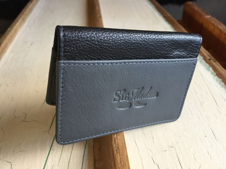 new bi-fold leather card holder