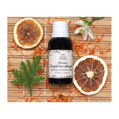 Oleato de espíritu alegre // Oil of joyful spirit #NaturalMedicine #Natural #HerbalMedicine #MedicinaNatural #TallerDeHierbas #Oils #Orange #Naranja