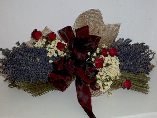 Oltre 25 fantastiche idee su fiori secchi su pinterest - Centrotavola natalizi con fiori finti ...