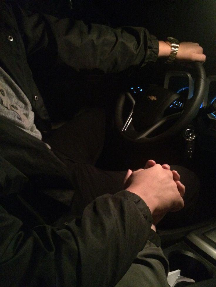 Картинки в машине ночью девушка и парень